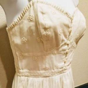Dresses & Skirts - Sweetheart Lace Dress